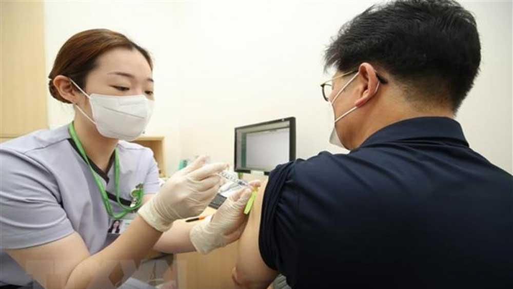 Hàn Quốc, Tiêm kết hợp, 2 loại vaccine, sản sinh kháng thể, gấp 6 lần