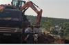 Bị phạt gần 140 triệu đồng do khai thác đất trái phép