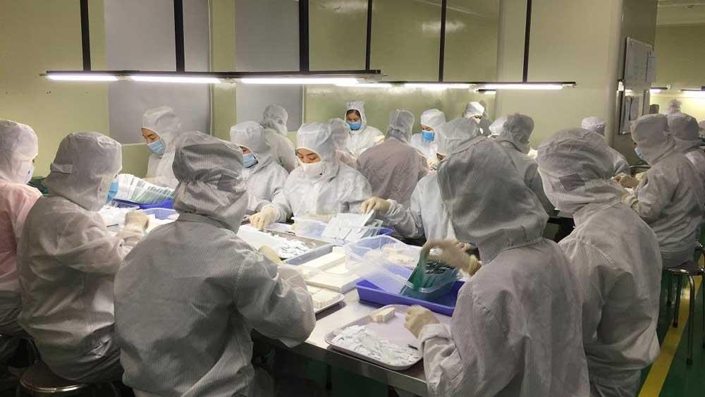 Test nhanh kháng nguyên SARS-CoV-2, Việt Nam sản xuất ,có độ nhạy, độ đặc hiệu cao