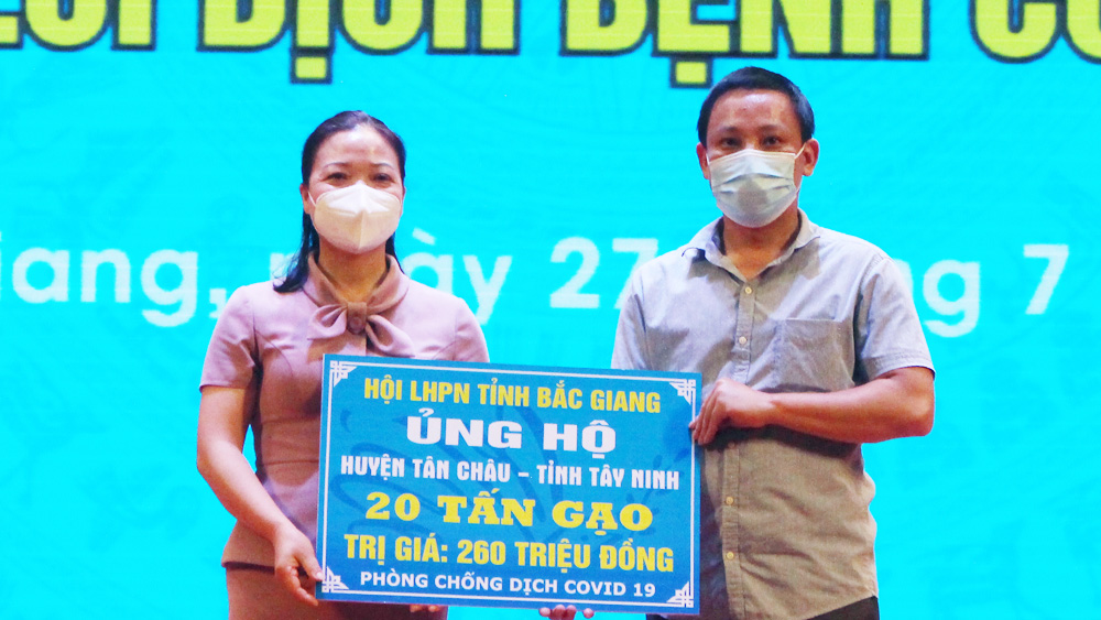Another volunteer delegation, Bac Giang province, support Covid-19 fight, Tay Ninh province, Covid-19 pandemic