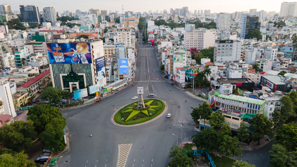 HCMC might prolong social distancing for a fortnight