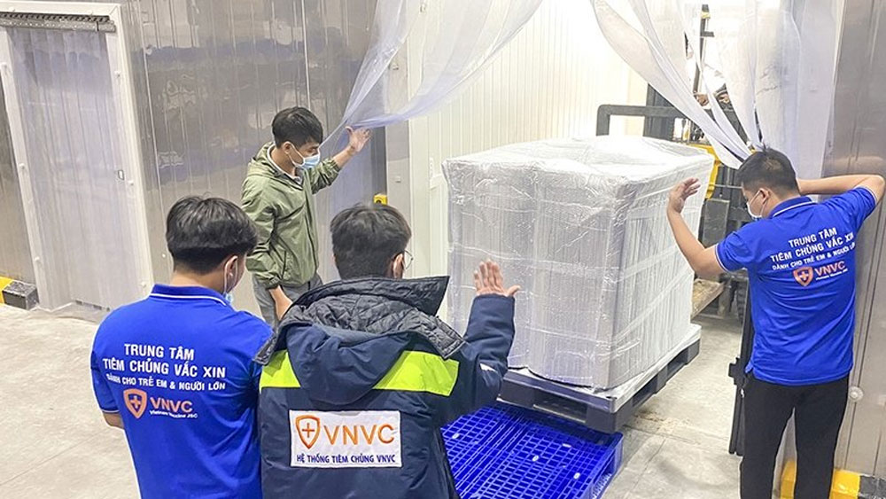 Nearly 660,000 AstraZeneca Covid-19 vaccine doses arrive in HCM City