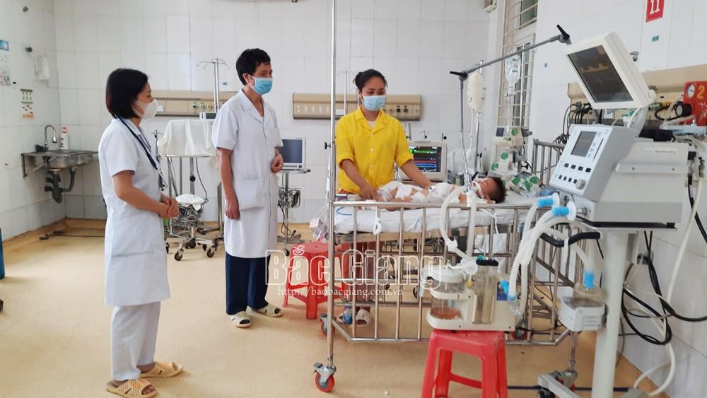 Bệnh viện Sản-Nhi Bắc Giang, phẫu thuật, cứu sống bệnh nhân, suy hô hấp, thoát vị hoành, quai ruột, dạ dày
