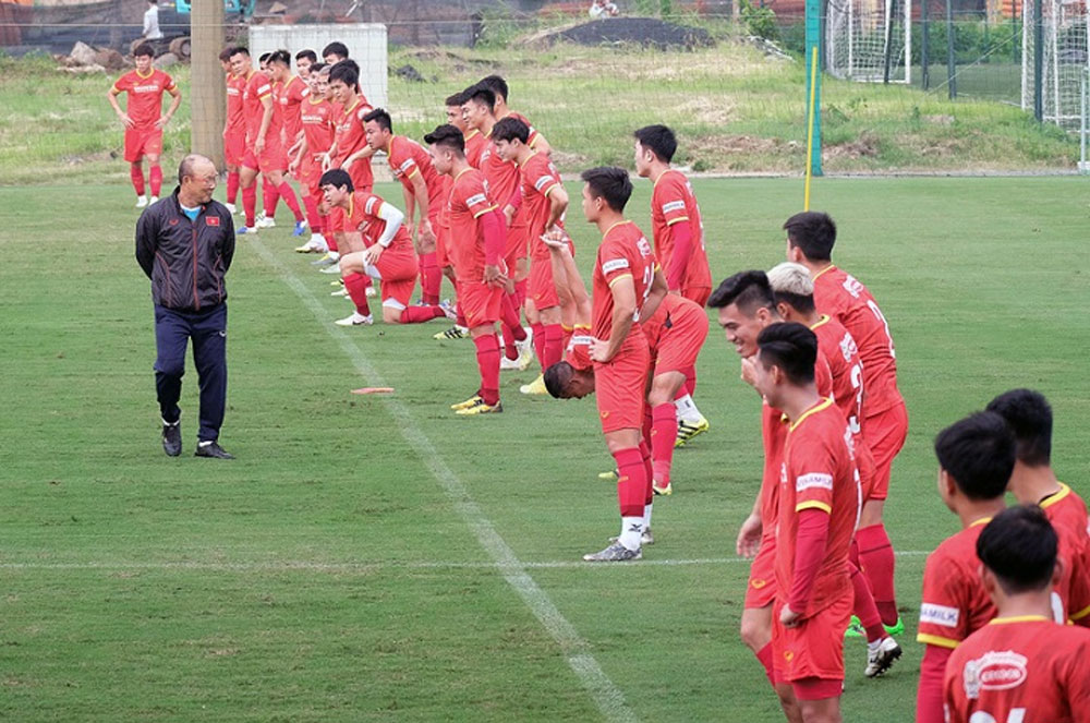 Football, Coach Park Hang-seo, returns to Vietnam, prepare for new missions, final round, Asian Qualifiers, 2022 World Cup, AFC U23 Asian Cup