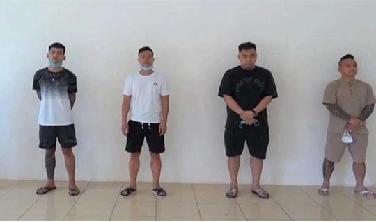 'Thánh chửi' Dương Minh Tuyền bị bắt khi 'bay lắc' trong quán karaoke