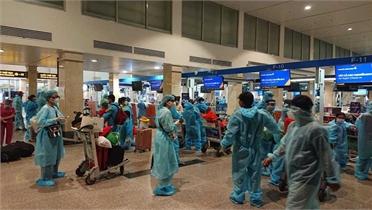 Một người chi tiền thuê 2 máy bay chở bà con Quảng Nam rời TPHCM