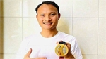 Vietnamese footballer to auction SEA Games gold medal for Covid-19 relief