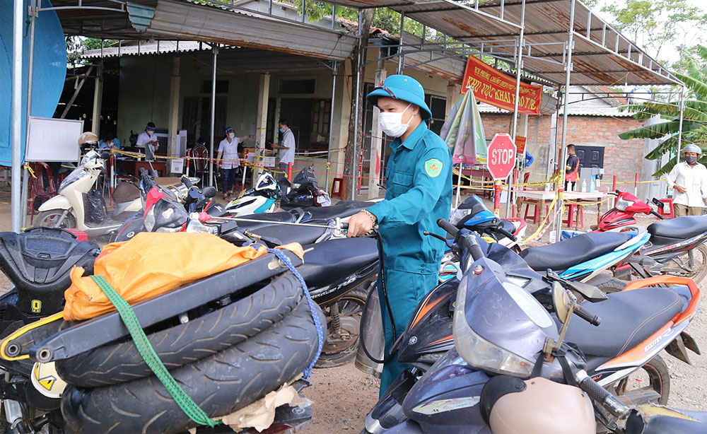 Migrant workers, Covid-struck Southern localities, driving long distances, Covid crisis, Covid-19 patient, get back home