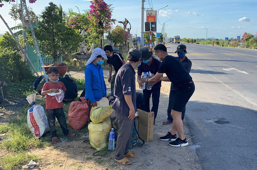 TP Bắc Giang, Bắc Giang, hỗ trợ miền Nam, đoàn xe