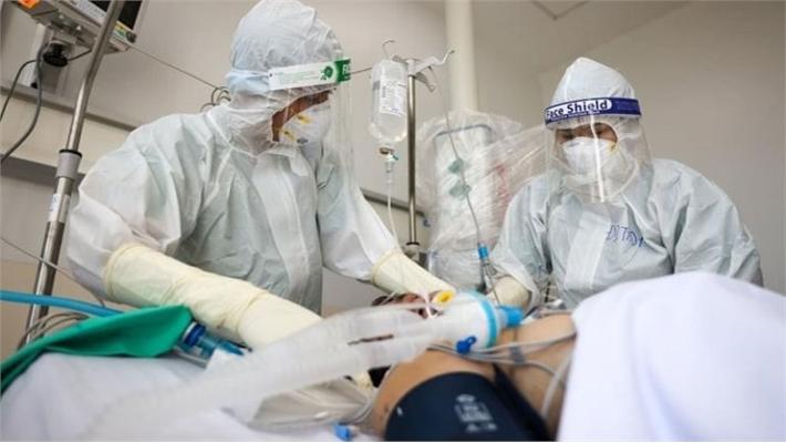 Vingroup trao tặng 500 nghìn lọ thuốc điều trị Covid-19