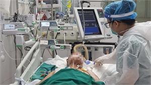 """2 bệnh nhân Covid-19 Bắc Giang """"vượt cửa tử"""" sau nhiều tuần nguy kịch"""