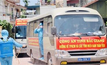 Đoàn Công an tỉnh hoàn thành nhiệm vụ vận chuyển nhu yếu phẩm hỗ trợ các tỉnh miền Nam