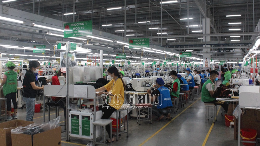 Businesses in industrial parks, regain normal capacity, Bac Giang province, Covid-19 outbreak, resumed operation, safe and sustainable production
