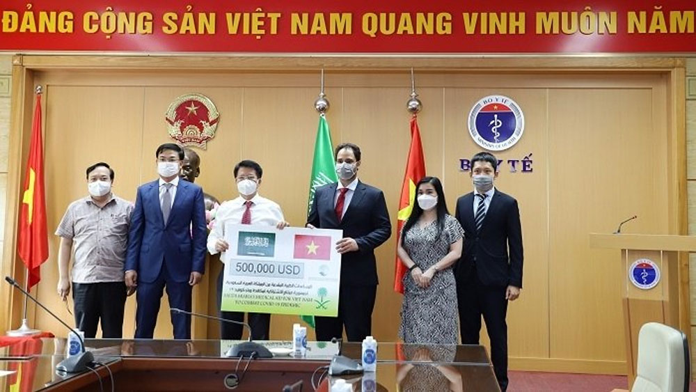 Saudi Arabia, aid package, Vietnam, Covid-19 fight, medical aid package, tough and effective measures, vaccination campaign