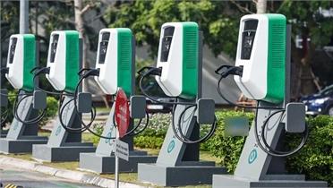 Đề xuất Chính phủ ưu đãi phí trước bạ đối với xe điện bằng 50% xe xăng