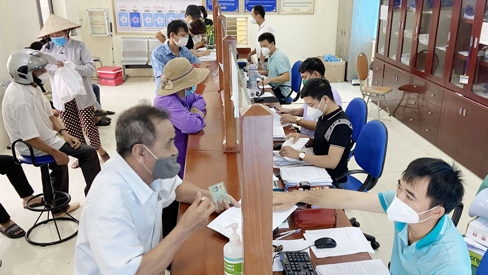 Bac Giang province, highly focuses, emulative movement, realize dual target, early day, socio-economic target, excited working atmosphere, Covid-19 pandemic