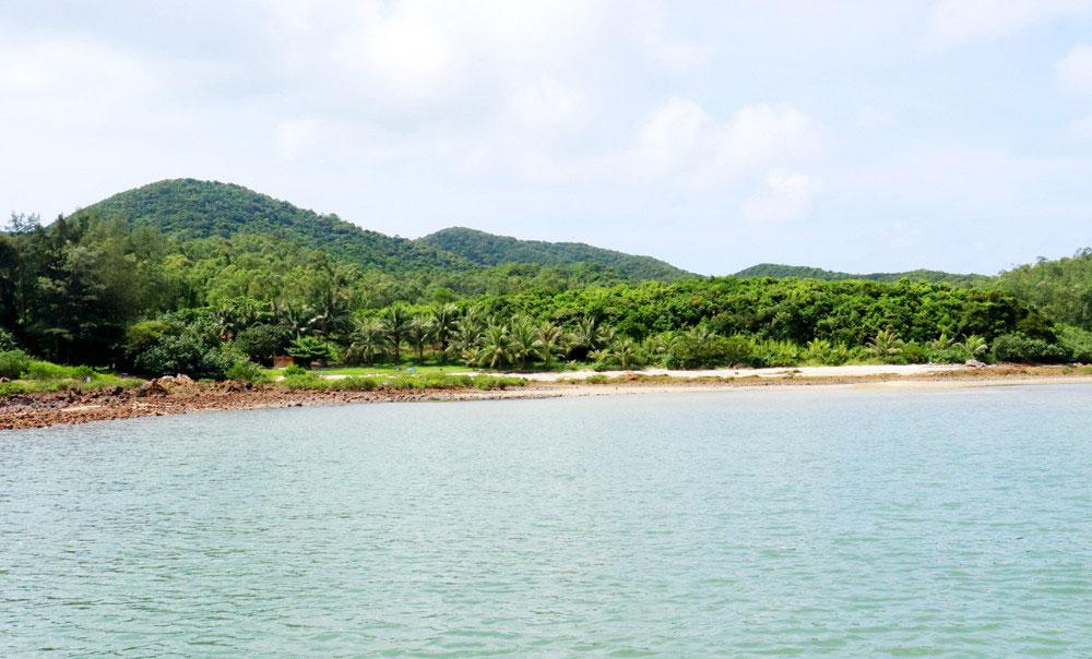 Ngoc Vung Island, Southeast of Van Don district, exquisite natural landscapes,  historical and cultures values, must-visit destinations