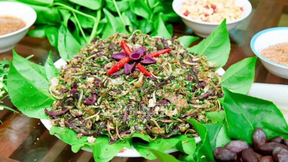 Black canarium salad, mouth-watering dish, Hiep Hoa district, Bac Giang province, good for health, special dish