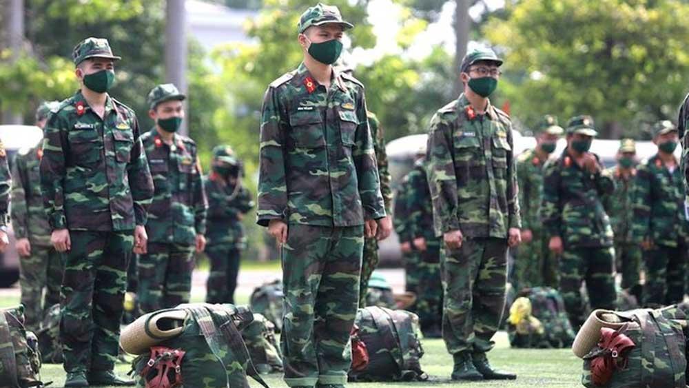 1.000 quân nhân chuẩn bị vào Nam chống dịch