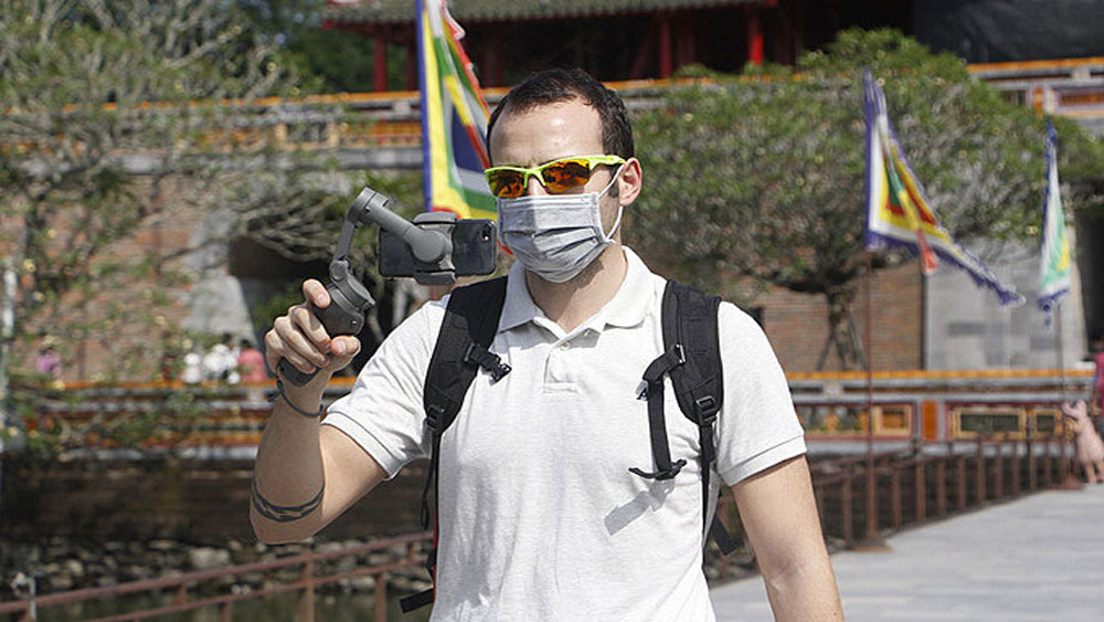 Hue spends $81,600 to support over 500 pandemic-struck tour guides