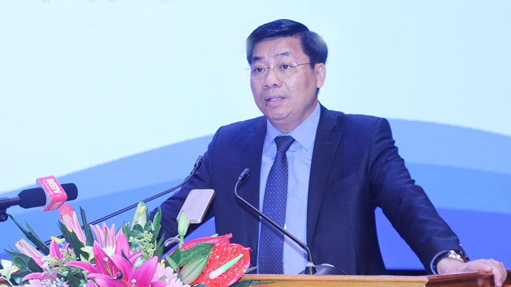 Đồng chí Dương Văn Thái, Ủy viên Trung ương Ðảng, Bí thư Tỉnh ủy, Trưởng Đoàn ĐBQH tỉnh Bắc Giang.