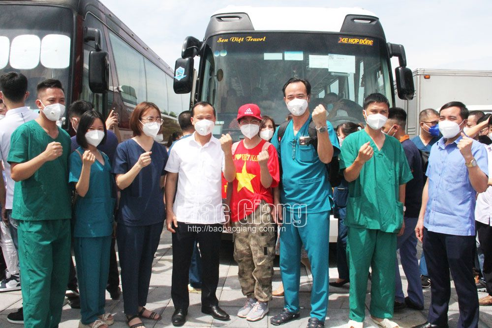 More white blouse soldiers, Bac Giang province, go to the South, fight pandemic, Covid-19 pandemic, medical personnel, epicenter
