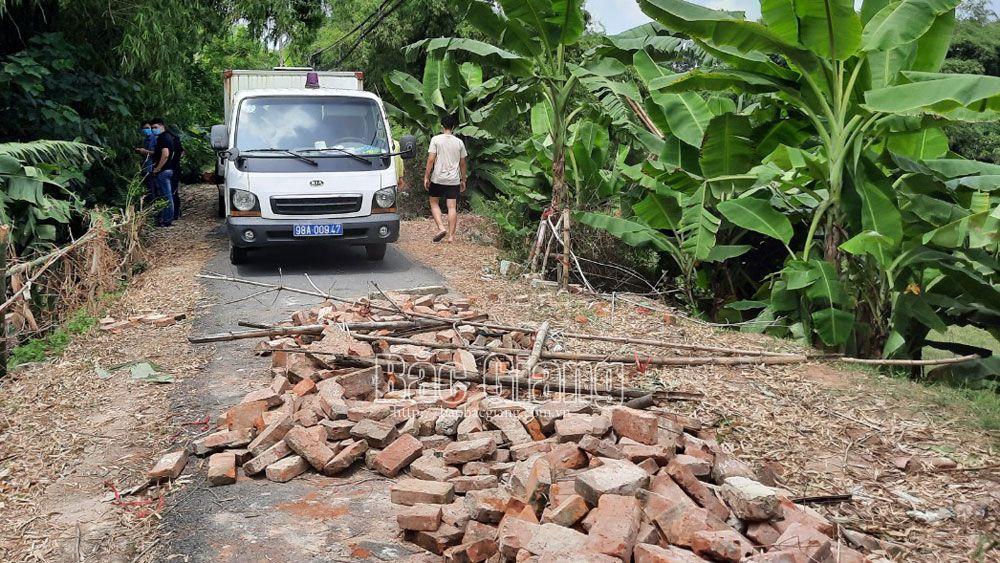 Rào chắn vào khu vực xây dựng kho cảng tổng hợp Petro Bình Minh đã được gỡ bỏ