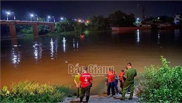 Tìm thấy thi thể cô gái nhảy xuống sông Lục Nam