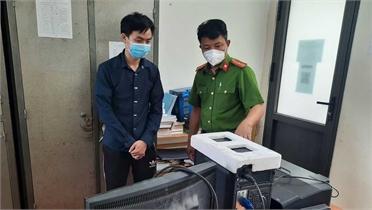Chủ quán photocopy làm giả hàng trăm giấy xét nghiệm