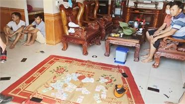 Bắt quả tang 6 đối tượng đánh bạc ở Lục Nam