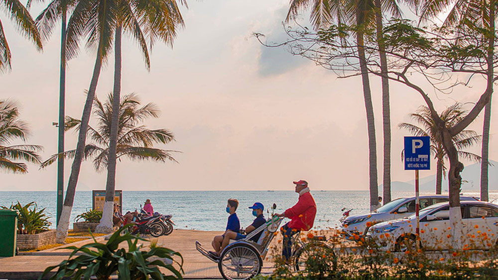 Vietnam prepares welcome for vaccinated foreign tourists to select destinations