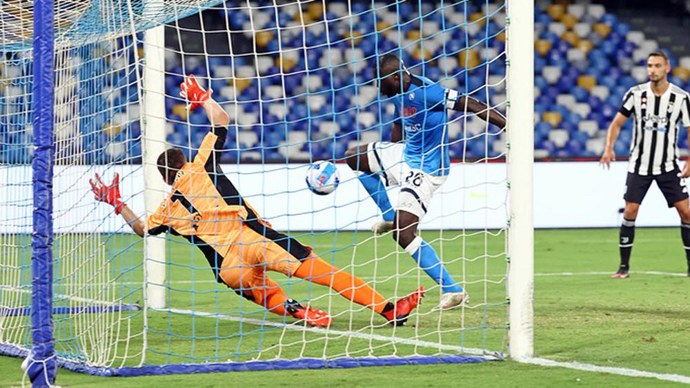Juventus thua ngược Napoli