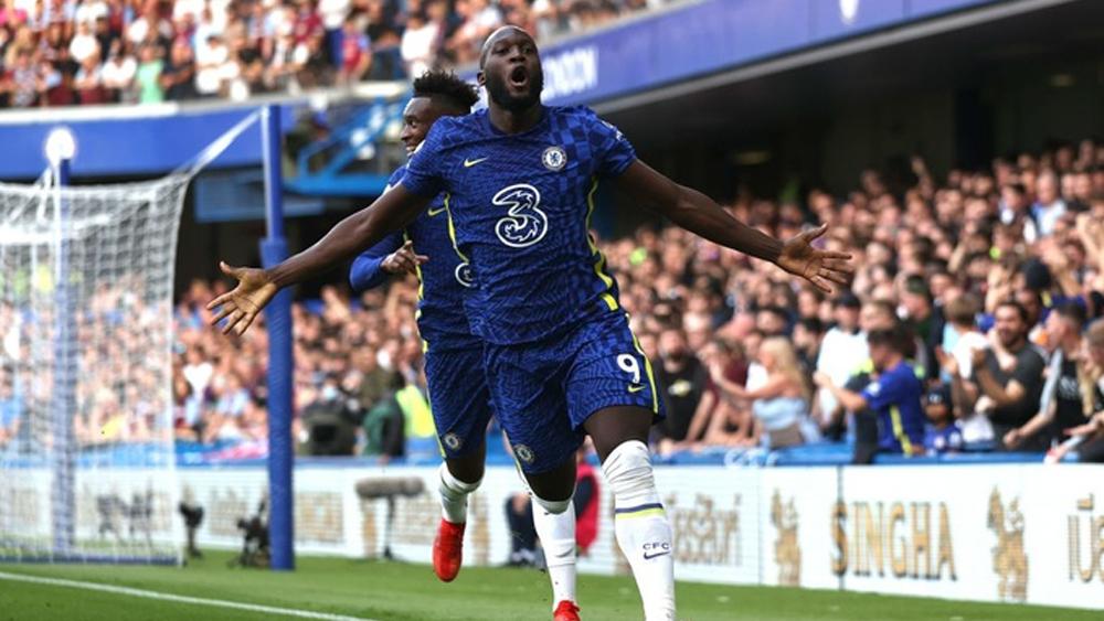 Lukaku giúp Chelsea lên nhì bảng