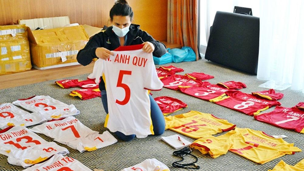 Đội tuyển futsal Việt Nam mặc trang phục màu đỏ bước vào hành trình lịch sử