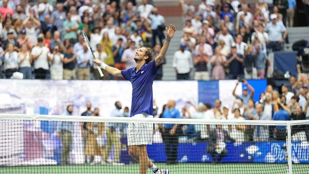 Medvedev thắng Djokovic ở chung kết Mỹ mở rộng