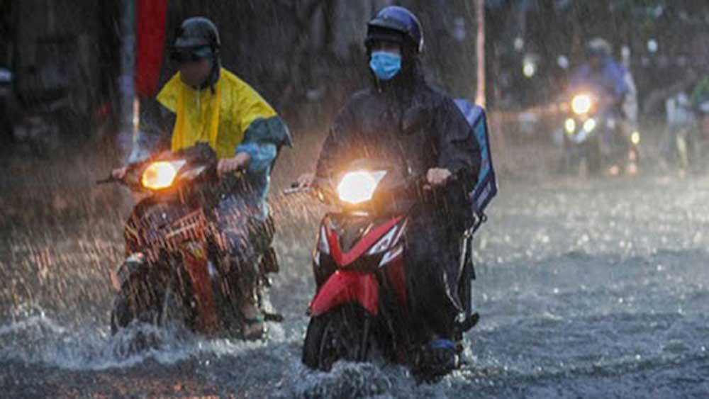 Cả nước có mưa dông, Trung Bộ tiếp tục mưa lớn