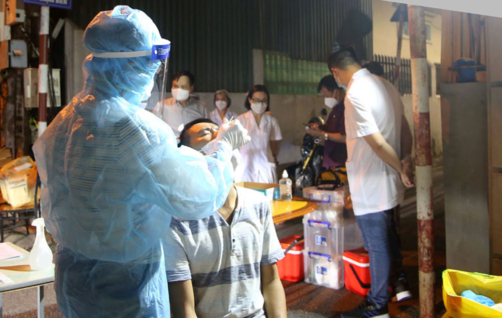 Bac Giang province, support Hanoi city, Covid-19 test, Covid-19 pandemic, pandemic struck localities, community transmission