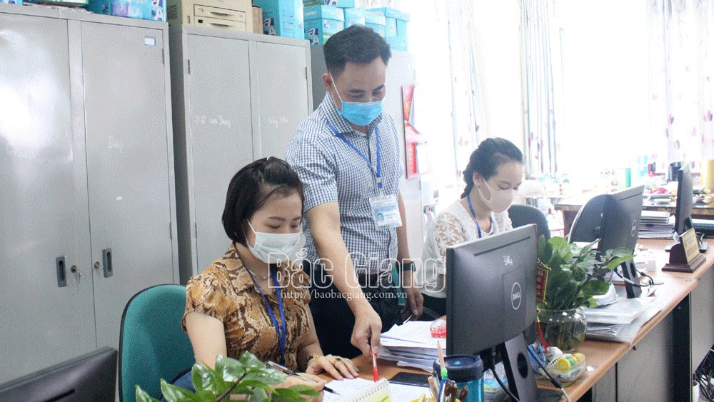 Bac Giang province, exceeds yearly plan, import export, taxation collection, state budget collection, customs procedure, administrative reform