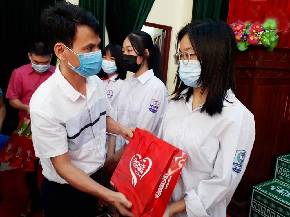 Bắc Giang, trẻ em, bảo trợ, Báo Bắc Giang, khó khăn, Chắp cánh ước mơ.