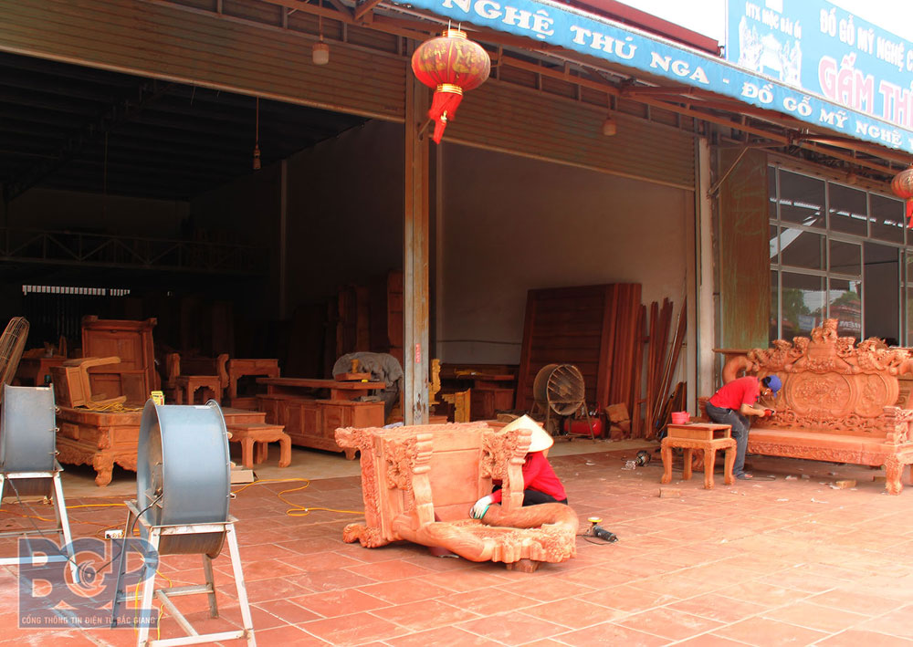 Bac Giang province,  develops craft villages, driving force, local economy, supporting policies, rural craft villages, increase income, One Commune One Product