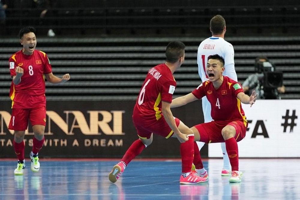FIFA Futsal World Cup, Czech Republic draw, Vietnam team, Round of 16, Group D match,  knockout stage