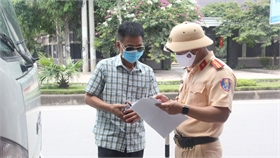 Lực lượng công an tăng cường quản lý người về từ vùng dịch