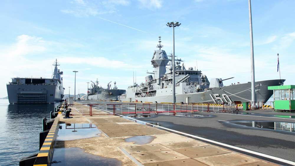Nhóm tàu chiến Australia, cập cảng, Cam Ranh
