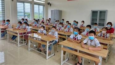 Hà Nam cho hơn 200.000 học sinh nghỉ học