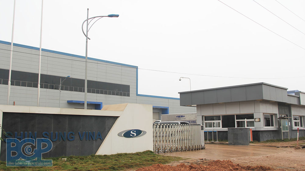 Businesses in Bac Giang industrial parks enhances Covid-19 prevention and control