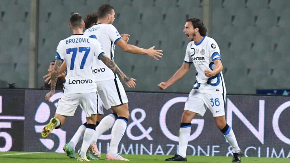 Inter Milan lên đỉnh bảng giải Serie A