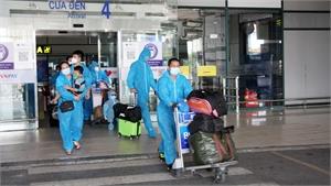 900 công dân Bắc Giang về đợt 2 bằng máy bay của Vietnam Airlines