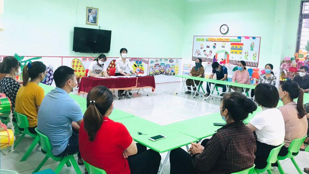 Bắc Giang, tiền trường, đầu năm học, phụ huynh, Sở Giáo dục và Đào tạo, tiết kiệm, giảm, giãn thu
