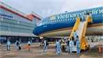 """Van Don airport welcomes over 300 passengers from France with """"vaccine passport"""""""