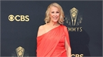 Catherine O'Hara top best dressed at Emmy 2021 with Cong Tri design